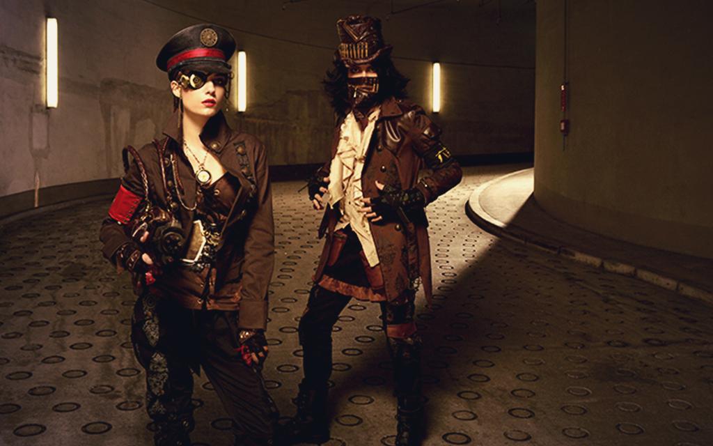 Naoto Hirooka siempre ha observado y retomado el estilo gótico victoriano en esta nueva colección se observa un estilo gótico militar incluso con notas steam punk.
