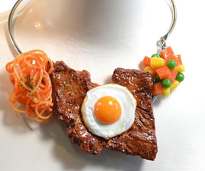 nueva-tendencia-en-japon-comida-en-los-accesorios-de-moda